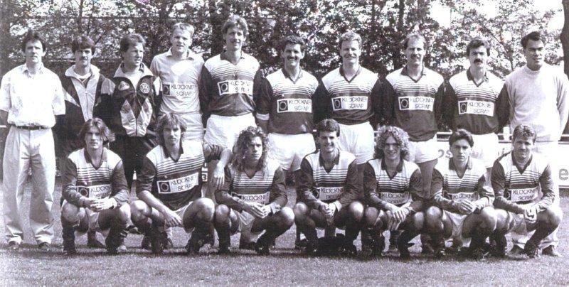 Historische foto Voetbalvereniging 's-Gravendeel 1989