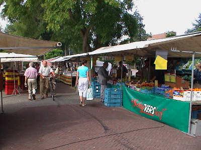 Weekmarkt in 's-Gravendeel
