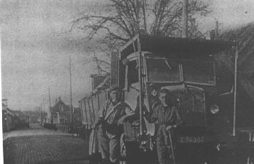 Kolen lossen voor de gasfabriek in 's-Gravendeel