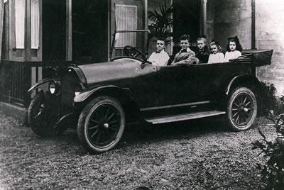 Eerste luxe auto in 's-Gravendeel