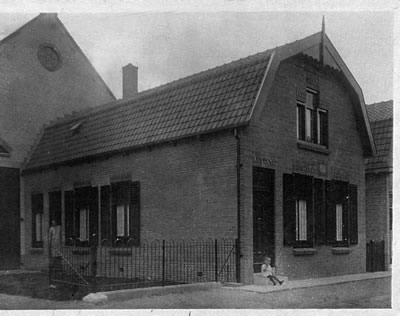 Historische foto boerderij Kerkstraat 19 's-Gravendeel