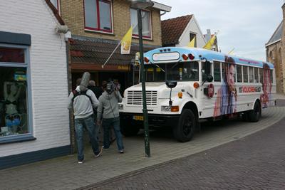 Volkoren promotiebus bij bakker De Koning in Strijen