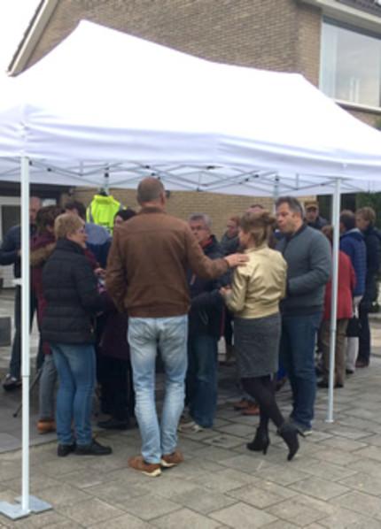 Foto bij 'Succesvolle eerste bijeenkomst Hoeksche Waardse BuurTent'