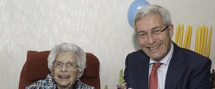 Foto bij 'Mevrouw Hoogstad viert 100e verjaardag'